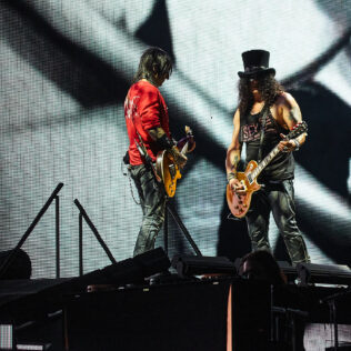 Slash y Richard Fortus